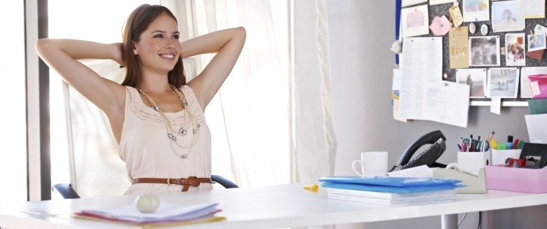 5 exercices pour s'étirer au bureau