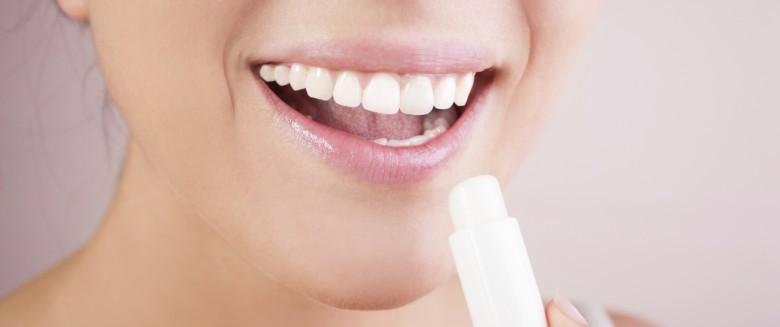 Santé : le baume à lèvres, pas si inoffensif que ça…