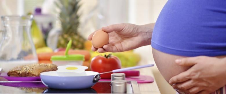 Grossesse : la vitamine D des aliments réduit les risques d'allergie du futur bébé