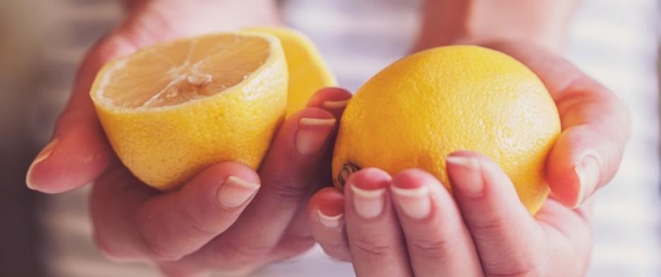 l eau au citron aide t elle vraiment perdre du poids nuage ciel d 39 azur. Black Bedroom Furniture Sets. Home Design Ideas