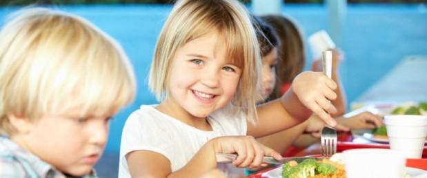 Cantines scolaires: trop de protéines animales dans les assiettes des enfants