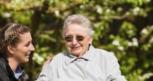 Femme malade Alzheimer