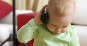 Ondes électromagnétiques : le wifi bientôt interdit dans les crèches ?