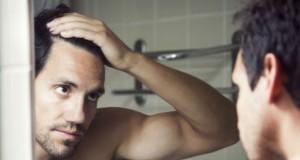 Calvitie et cheveux blancs prématurés, des facteurs de risque cardiaque à prendre en compte?