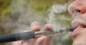 E-cigarette : que risque-t-on à vapoter dans les lieux publics ?