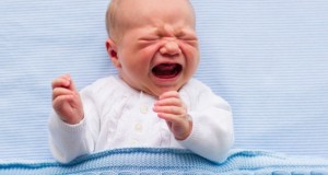 Les carences en vitamines détectées dans les larmes de bébé