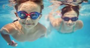 Les usagers des piscines municipales font bien pipi dans l'eau