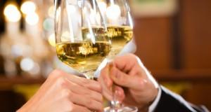 Boire de l'alcool accroît le risque de mélanome
