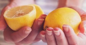 L'eau au citron aide-t-elle vraiment à perdre du poids ?