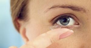 4 erreurs à ne pas commettre avec les lentilles de contact
