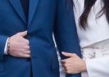 Pourquoi le prince Harry cache-t-il sa main devant les photographes ?
