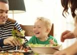 Les parents trouvent difficiles de nourrir sainement leur enfant