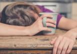 Comment le manque de sommeil influence nos interactions sociales