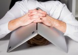 Travail : comment gérer un environnement frustrant