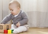 Les bébés savent exprimer un doute pour se faire aider
