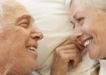 Sexualité : après la ménopause, elle protège de l'hypertension