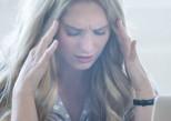 Le stress financier donne la migraine !