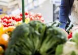 femme_achete_legumes