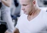 La testostérone peut rendre agressifs, mais aussi généreux